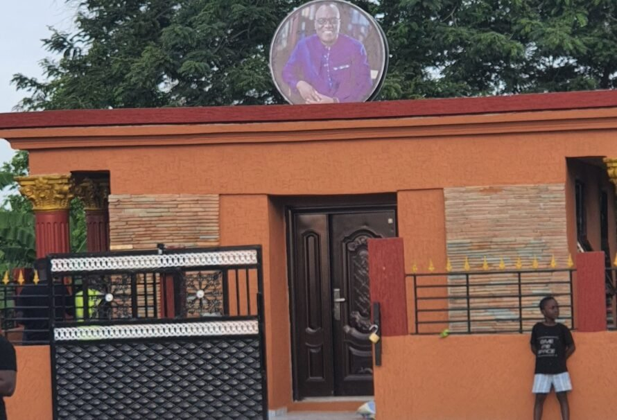 """""""It's a complete waste of money"""" – Ghanaians react to special edifice built to house mortal remains of Sir John"""