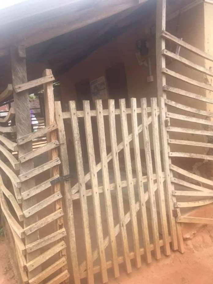 How can lives be saved in this community? – Photos of Bomponso No.1 clinic causes stir on social media. 55