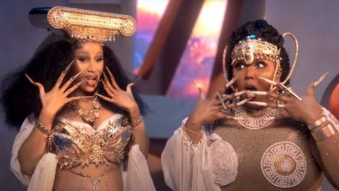 """""""Cardi B wanted to go down on me while on set & I felt wet"""" – US singer, Lizzo tells it all in latest interview [Video]"""