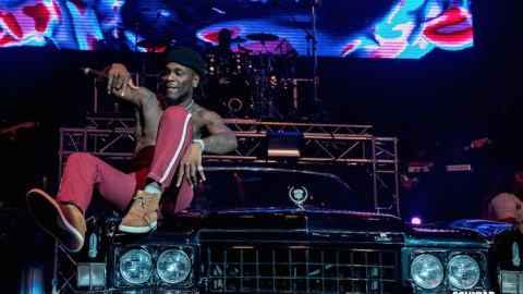 Check Out Burna Boy's Entry At O2 Arena Concert In London As He Stormed The Stage With Spaceship