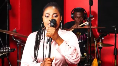 Photo of JOYCE BLESSING – ODOMANKOMA (WORSHIP MEDLEY)