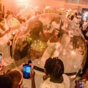 PHOTOS: Bride Arrives At Her Wedding Anniversary In A Giant Inflatable Balloon