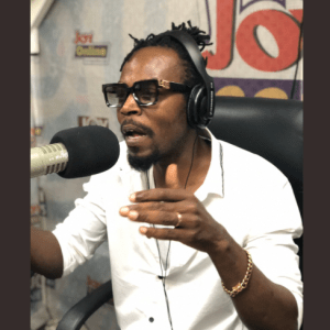 I Didn't Take Even GH1 From Shatta Wale When He Called Me To Perform But His Fans Threw Bottles At Me Just For Supporting A Brother – Kwaw Kese