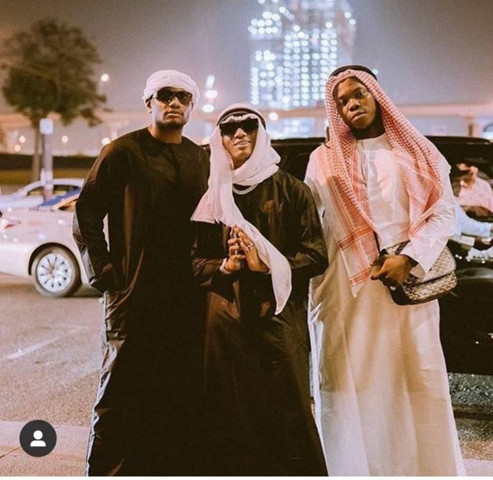 Wizkid Challenges Davido With His Jalabia Outfit As He Arrives In Dubai