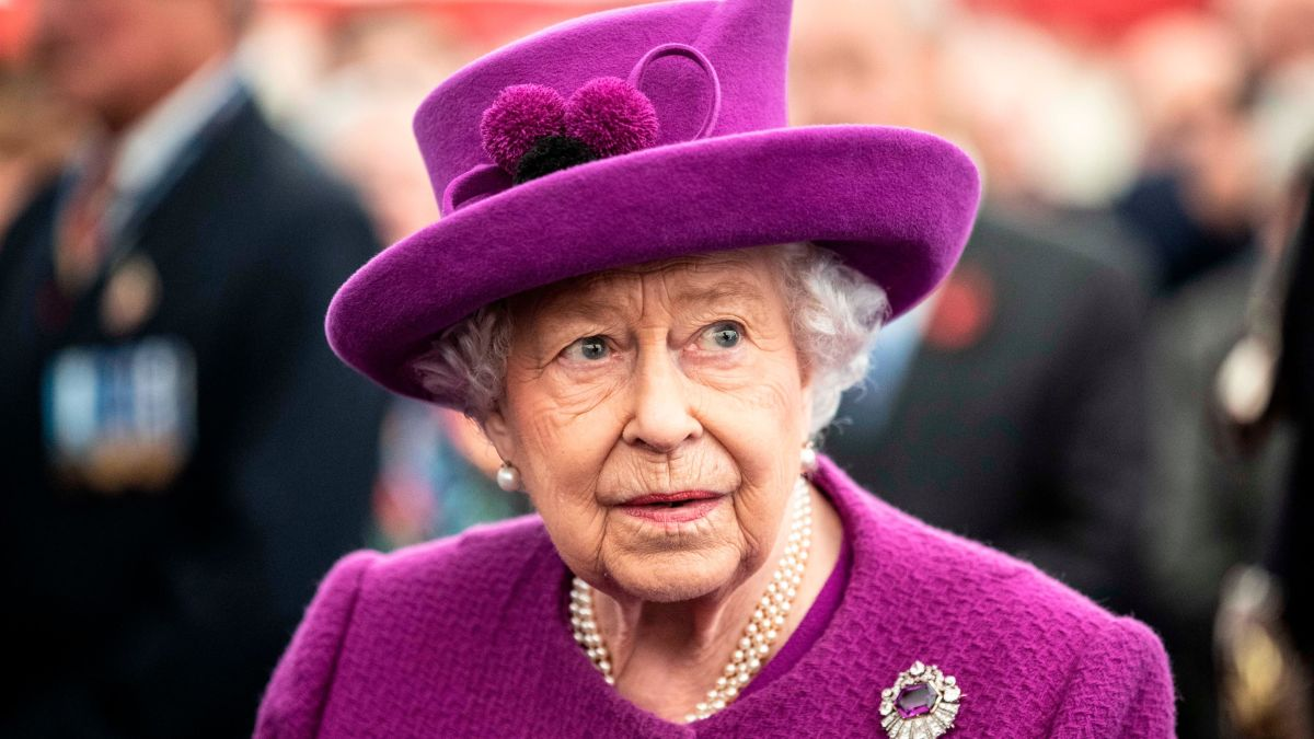 Contradictory reports on Queen Elizabeth coronavirus test result