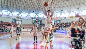 Basket, la Virtus Roma supera Siena 68-66