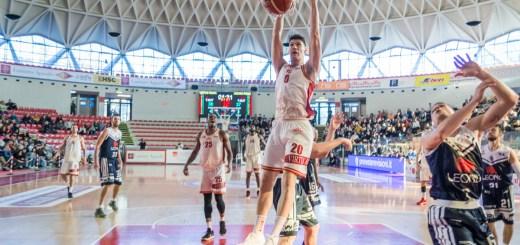 La Virtus Roma vince il derby con l'Eurobasket e la aggancia in classifica. (fonte immagine: ©Marta Bandino | Ghigliottina)
