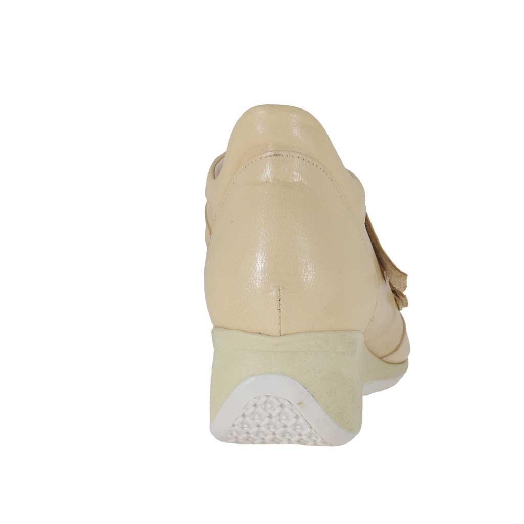 Damenschuh mit Klettverschluss aus beigem Leder Keilabsatz 5  Ghigocalzature