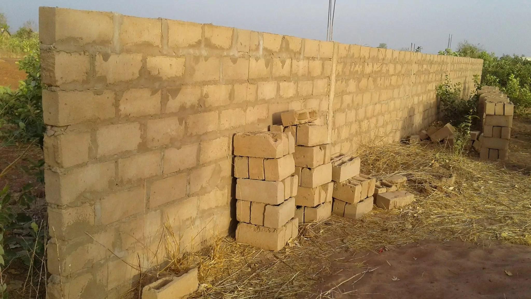 compoundwall2