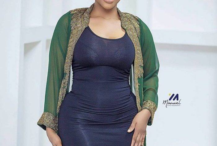 Benedicta Gafah Trolled After Using Photoshop to Edit her Curves and Ended Up Twisting her Hand