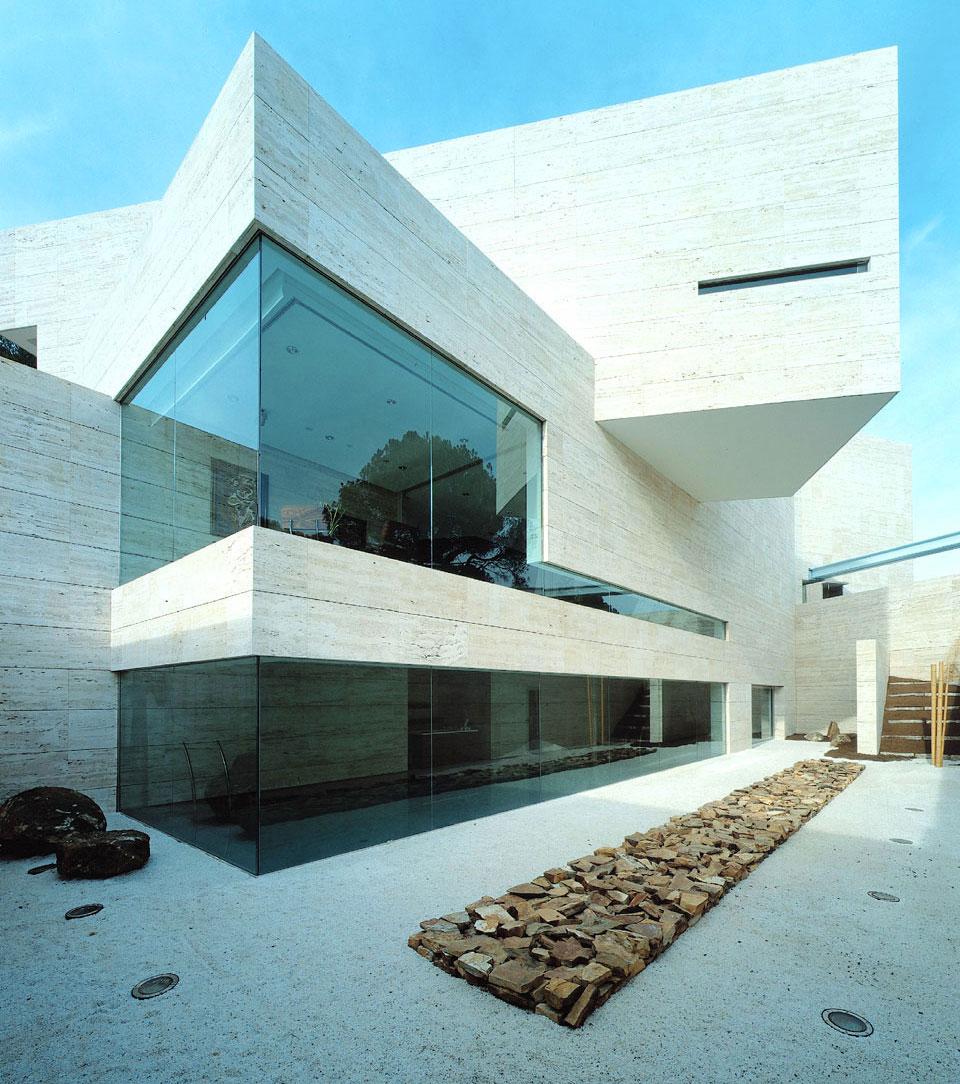 Outdoor Glass Wall Panels Design