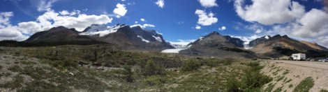 A panorama snowfields and ranges surrounding the Athabasca Glacier in Jasper Park.
