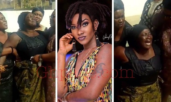 Video of Ebony's mother wailing and asking God for a miracle will break your heart