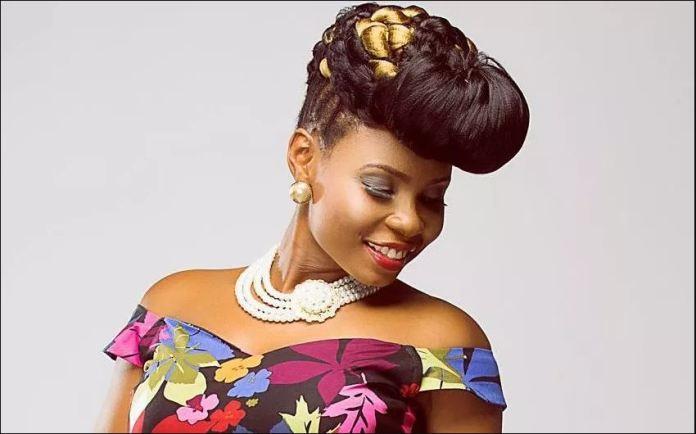 Yemi Alade 'mocks' Tiwa Savage of using photoshop to edit her butts