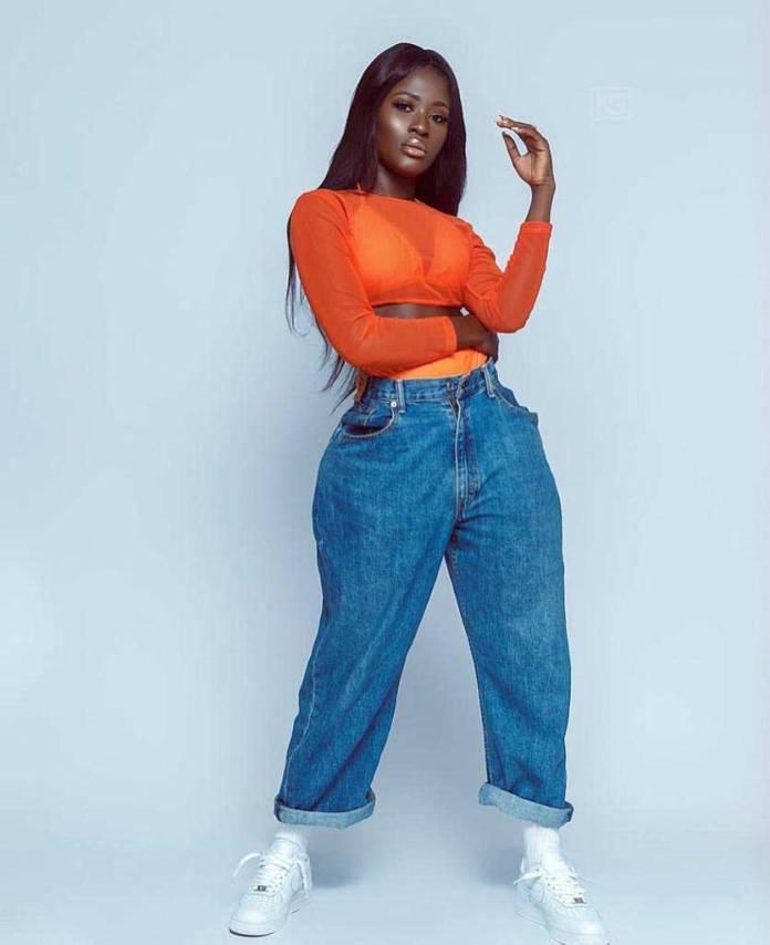 Fella Makafui - Fella Makafui mocks Efia Odo for allegedly chopping Junior US for $2000