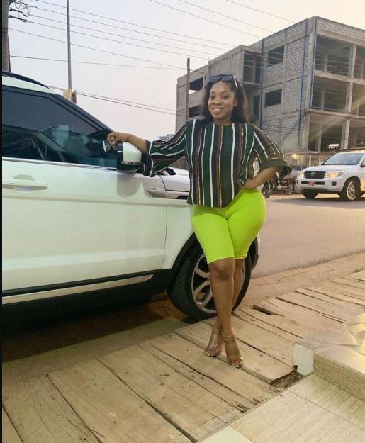 Moesha Boduong puts her huge 'Akosua Kuma' on display