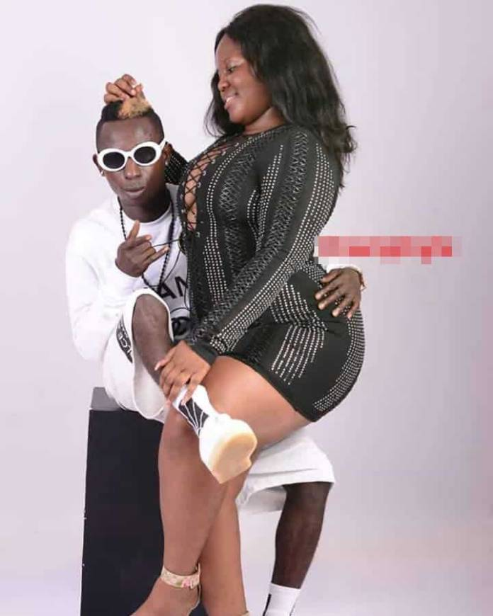 Patapaa kiss girlfriend 1 - Queen Peezy descends heavily on Efia Odo for disgracing Patapaa