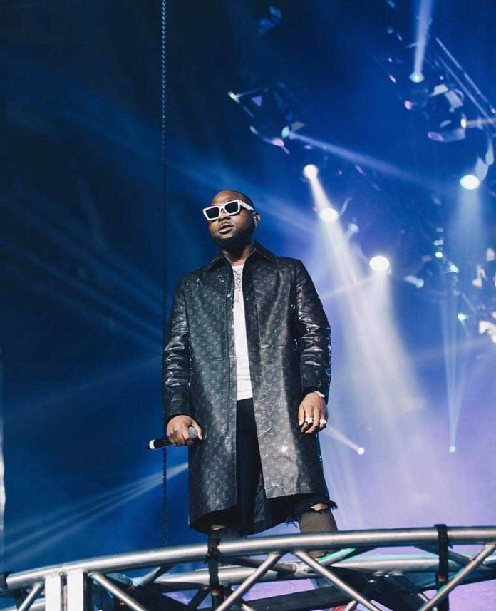 Davido - 3Music:Davido mocks Shatta Wale for copying his O2 concert entry