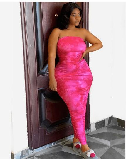 PHOTOS: Dabo's alleged girlfriend Vivian Okyere show off her heavily endowed assets 4