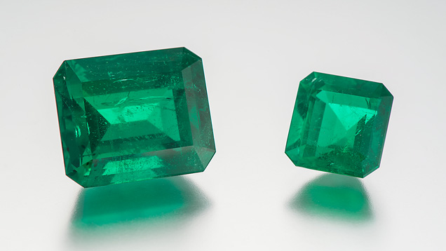 Both emeralds are from the original large piece of rough. The larger one is the 18.17-carat mine-to-market stone. Photo by GIA.