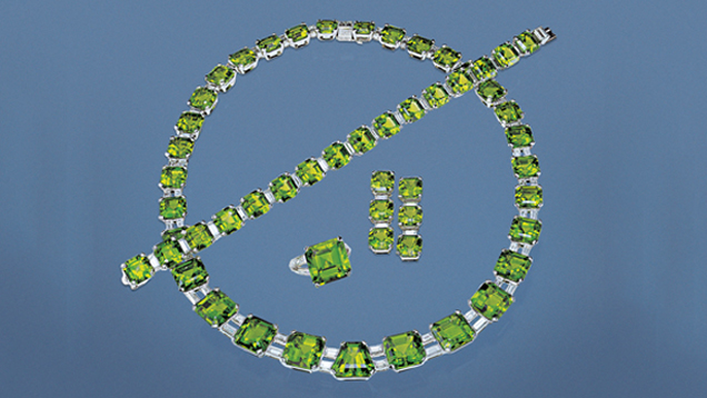 This incredible suite of peridot jewelry has a total weight of 350.40 carats. All are top-quality peridots from Pakistan. - © GIA & Harold & Erica Van Pelt