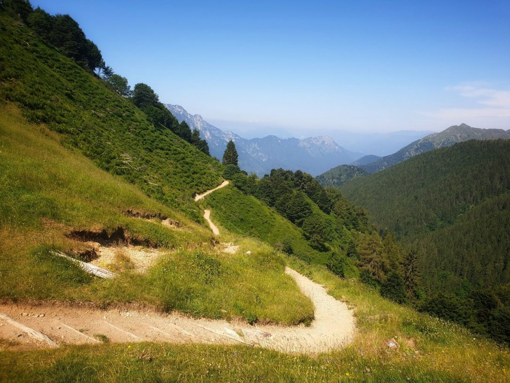 sentiero rifugio buzzoni