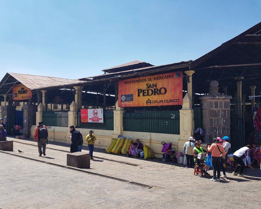 ingresso mercato di san pedro