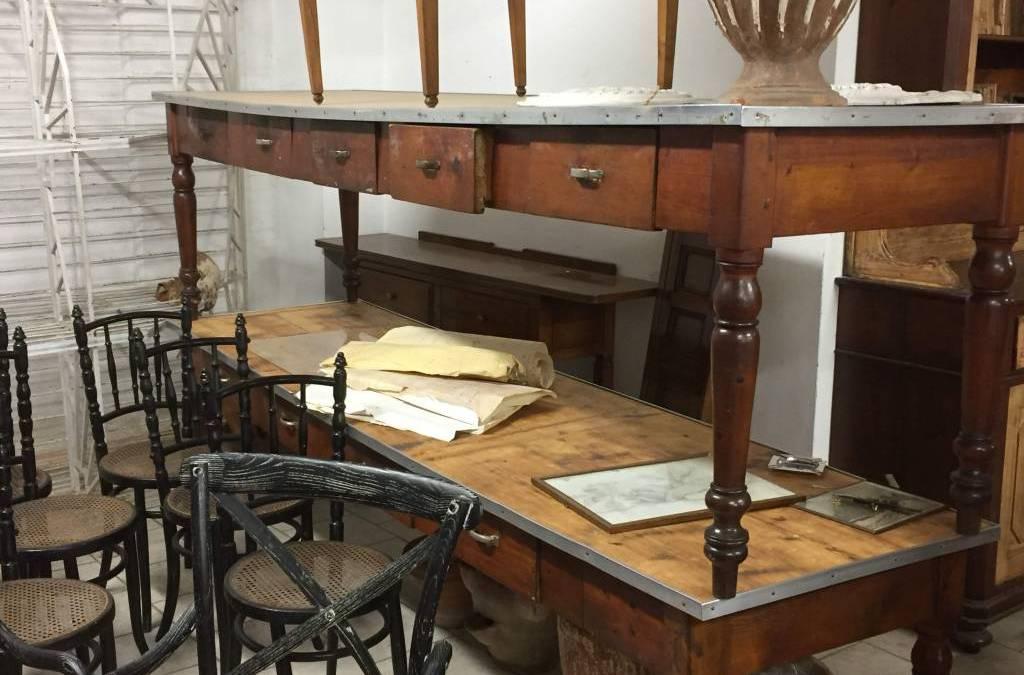 Grandi tavoli in legno primi '900