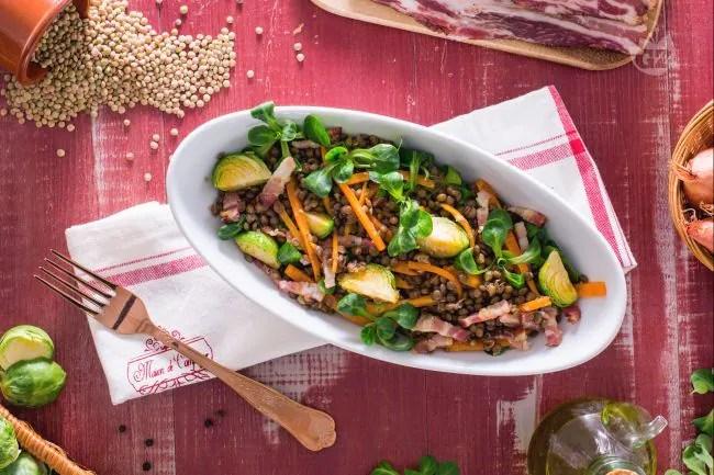 Ricetta Insalata di lenticchie con pancetta e verdure  La Ricetta di GialloZafferano