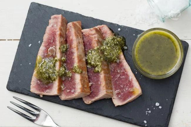 Ricetta Tagliata di tonno con pesto di menta  La Ricetta