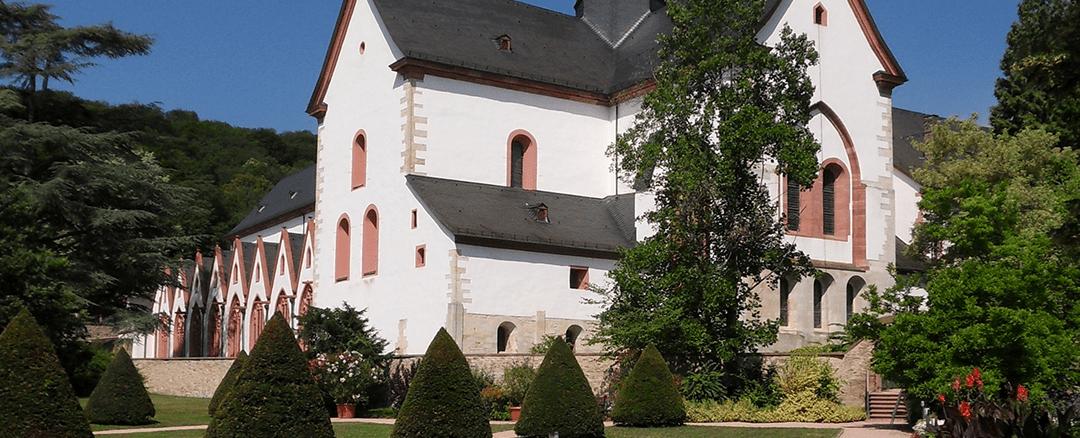 Capitolo LXVI – I portinai del monastero – 1, 8