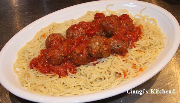 spaghetti-and-mini-meatballs.-copyJPG-8x6.JPG