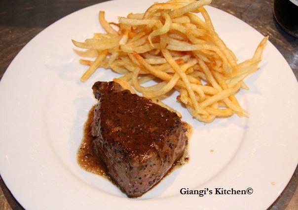 Steak-au-poivre-avec-frites-08-07-12-copy-8x6.JPG