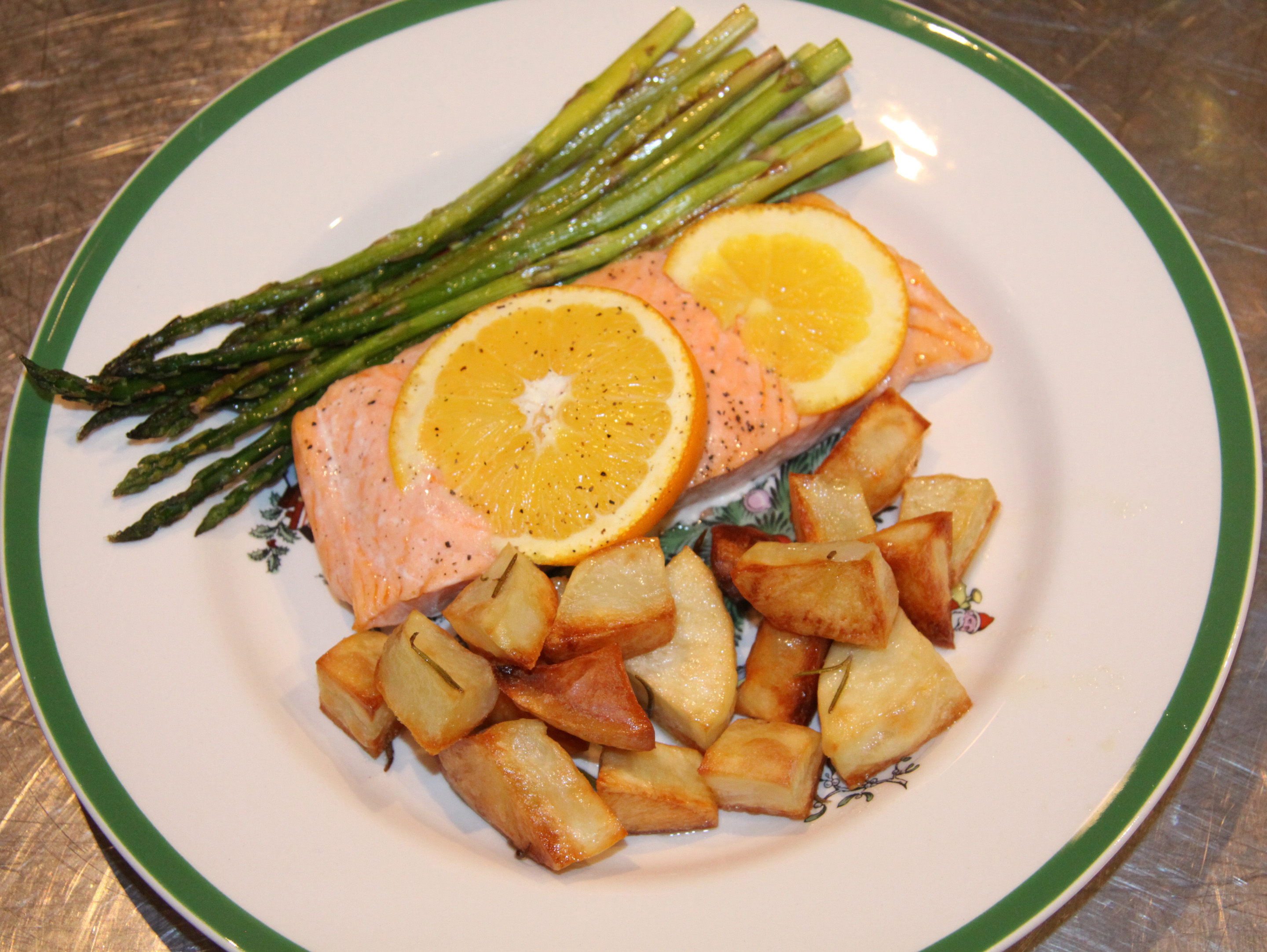 salmon with orange , potatoes and asparagus