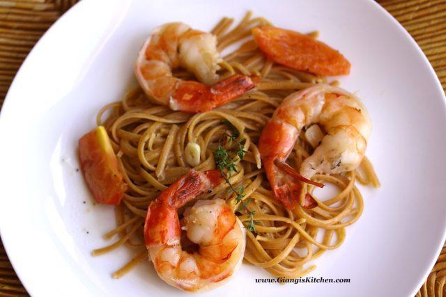 habanero pasta with prawns and wine sauce