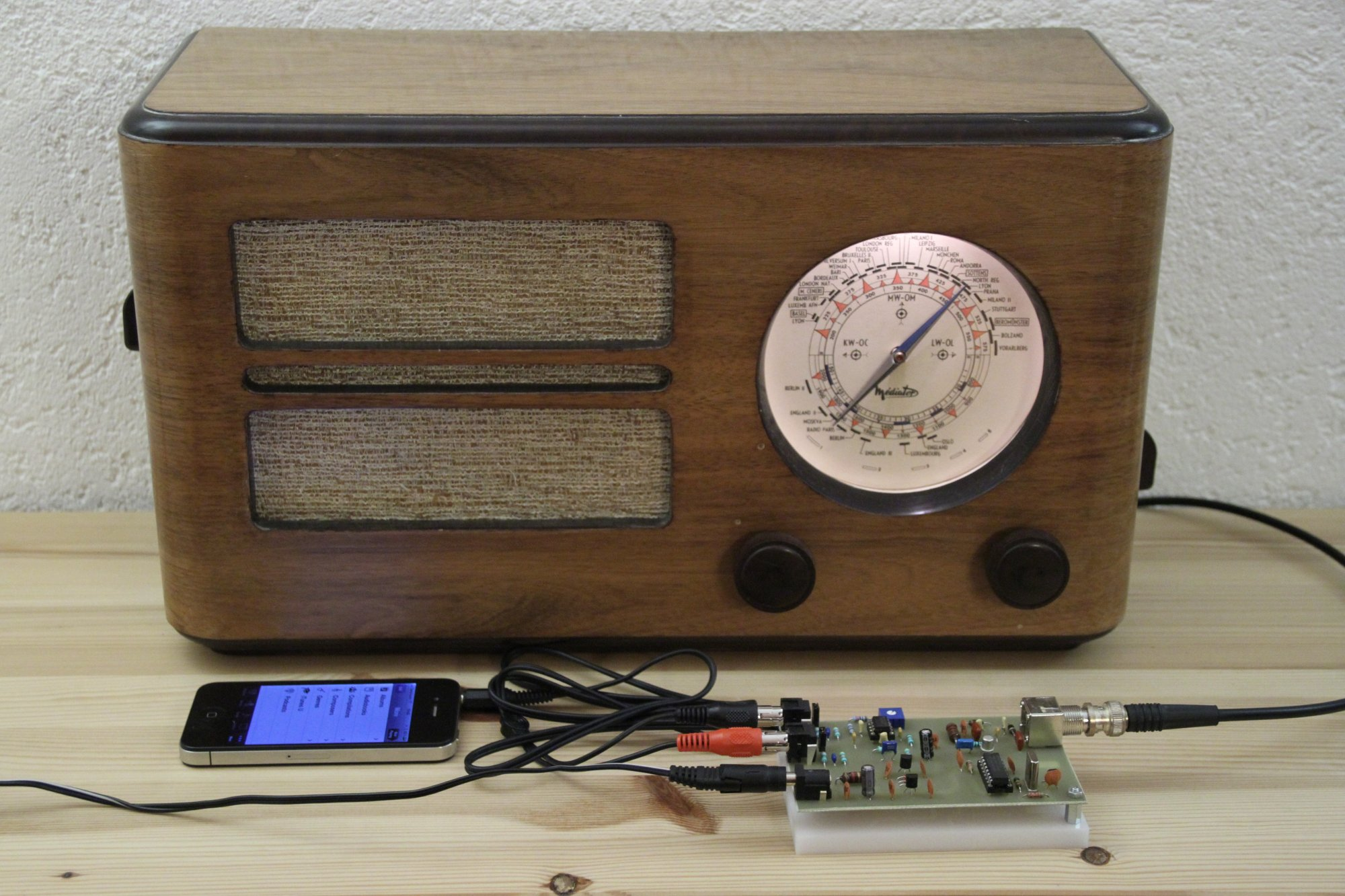 hight resolution of mp3 player am modulator and vintage radio