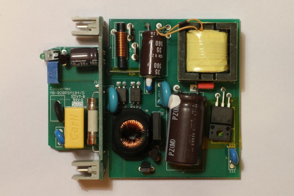 medium resolution of this smps uses modern surface mount smd components