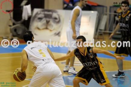 Olimpia Cagliari vs Valentina's Bottegone, 61-52, 22 ottobre 2011 011