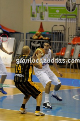 Olimpia Cagliari vs Valentina's Bottegone, 61-52, 22 ottobre 2011 041
