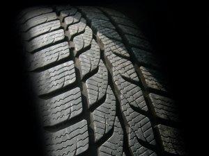 Truck tire deflators