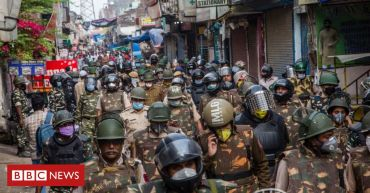 India's 1.3bn people to enter 'total lockdown'