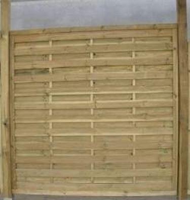 La qualità del legno massello per questa linea di prodotti. Divisori Per Giardini Grigliati E Frangivento