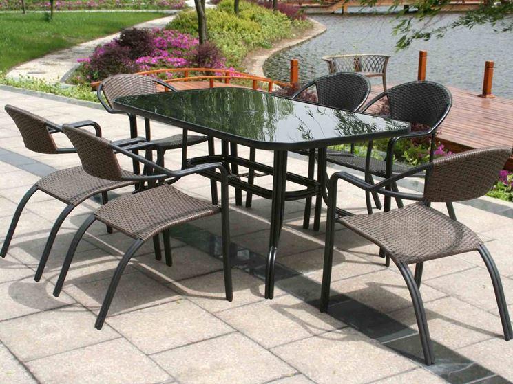Webimg.secondhandapp.com che sia progettato per gli interni o per gli esterni, che si tratti di un tavolo da pranzo, da salotto, per uno studio, per un giardino o un terrazzo, spesso e volentieri il tavolo finisce per essere il fulcro attorno a cui ruota la. Tavolo Da Esterno Tavoli E Sedie