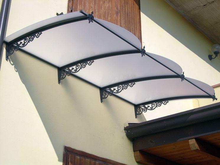 Pensilina policarbonato  pergole e tettoie da giardino  Caratteristiche e tipologie di