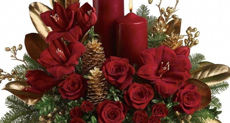 Composizioni natalizie  Regalare fiori  Composizioni natalizie con fiori