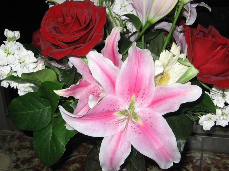 Fiori anniversario  Regalare fiori