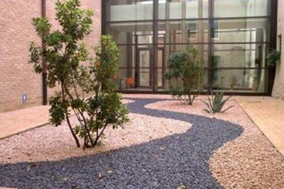 Arredare il giardino con la ghiaia giardini nel mondo for Arredare il giardino
