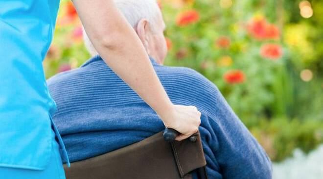 Ασφαλής στο Σπίτι : Πρόγραμμα για ηλικιωμένους χαμηλών εισοδημάτων