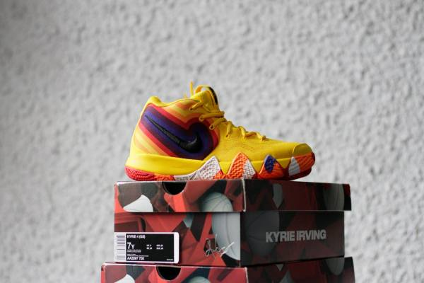 Nike Kyrie 4 70s yellow color
