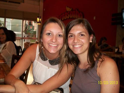 Da esquerda: Raquel (voltando de Portugal) e Gabriele (retornando da Espanha)